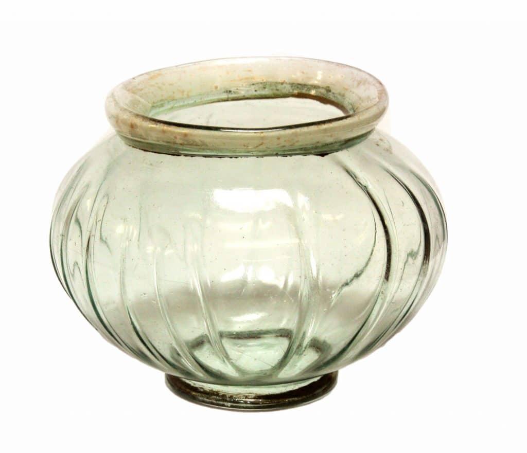 Archeologische glazen kom